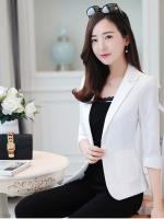 เสื้อสูททำงานผู้หญิงสีขาว คอปก ทรงเข้ารูป กระเป๋าหน้า : สินค้าพร้อมส่ง
