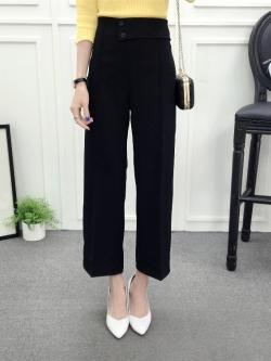 กางเกงขายาวสีดำ ทรงกระบอก แต่งกระดุมหน้า สวยดูดี ใส่ทำงาน ใส่เที่ยวได้