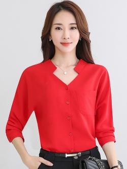 เสื้อทำงานสีแดง คอวี แขนยาว