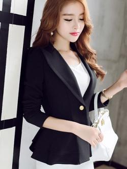 เสื้อสูททำงานผู้หญิงสีดำ ทรงสวย ชายเสื้อแต่งระบายสองชั้น ติดกระดุม