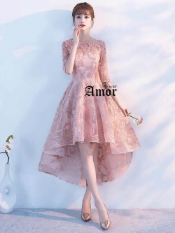 ชุดราตรียาวสีชมพู ปักลายดอกไม้ 3D กระโปรงหน้าสั้น-หลังยาว สุดเก๋