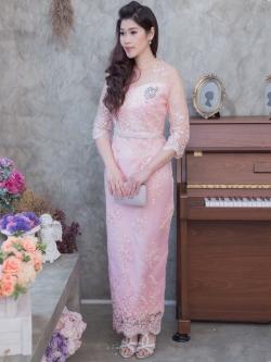 ชุดเดรสออกงานยาวสีชมพู สไตล์ผู้ใหญ่ ผ้าไหมแก้วปักลูกไม้ ทรงสวย เรียบหรูสวยสง่า