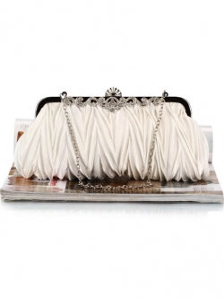 กระเป๋าคลัทช์ออกงานสีขาวทรงสีเหลี่ยมผืนผ้า จับจีบ ถือออกงาน ไปงานแต่งงาน ลุคเรียบๆ สวยเก๋