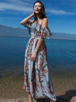 ชุดเดรสยาวเที่ยวทะเลสีฟ้า เปิดไหล่ แฟชั่นเที่ยวทะเลสวยๆสไตล์ฮาวาย