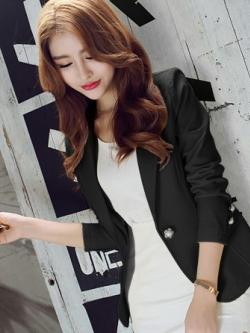 เสื้อสูททำงานผู้หญิงสีดำ ทรงสวย ติดกระดุมมุก