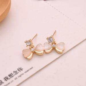 ต่างหู/ตุ้มหูโบว์ คริสตัลสีขาว ต่างหูแฟชั่นน่ารักๆ สไตล์เกาหลี