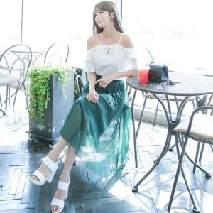 ชุดเซ็ทเสื้อสีขาว + กระโปรงพลีทยาวสีเขียว แนวสวยหวาน น่ารัก สไตล์เกาหลี