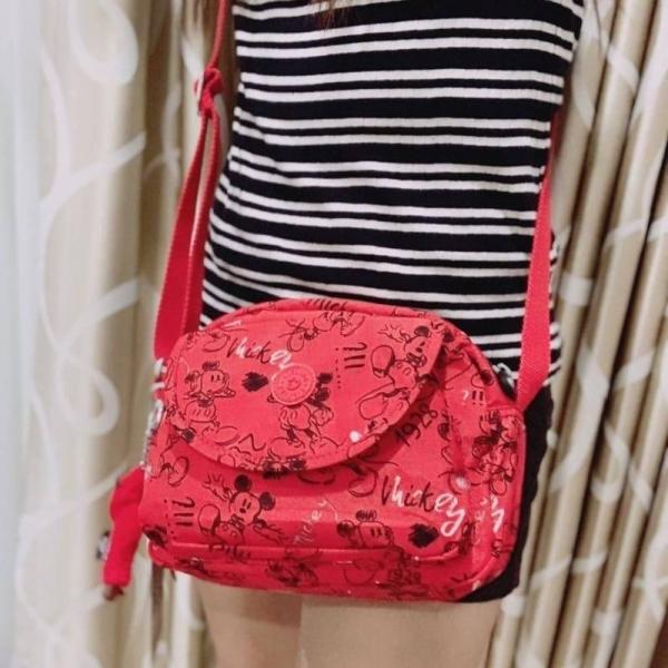 รูปภาพสินค้า Kipling & Mickey Limited Edition Flax Shoulder Bag สีแดง