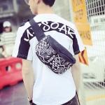 พร้อมส่ง กระเป๋าผ้า สะพายคาดไหล่ คาดอก ใส่ ipad 8 นิ้ว ผู้ชายแฟขั่นเกาหลี รหัส Man-2072 สีดำ-ขาว 1 ใบ