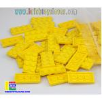 BRF004Y ตัวต่ออิสระแผ่นบางสีเหลือง ขนาด 2x4 ปุ่ม น้ำหนัก 100 กรัมในถุงพลาสติกใส