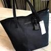 กระเป๋าสะพาย Calvin Klein Jeans Limited Edition จาก Calvin Klein Jeans วัสดุ Polyester คุณภาพดีเนื้อหนาน้ำหนักเบา
