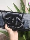 กระเป๋า สวยๆ จาก แบรนด์ Chanel เป็นกระเป๋า ใบสวยรุ่นหายาก ขนาดกำลังดี / พร้อมส่ง