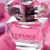 Versace Bright Crystal Eau de Toilette น้ำหอมจาก Versace มีส่วนผสมของผลไม้ให้ความรู้สึกสดชื่น หอมหวานสำหรับหญิงสาวมีระดับ ผู้ชื่นชอบความทันสมัย