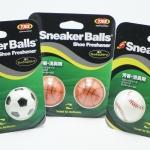 Sneaker Balls Shoe Freshener #ใครมีปัญหาเรื่องกลิ่นรองเท้า แนะนำเลยค่ะ ลูกบอลดับกลิ่นในรองเท้า Sneaker Balls ใช้งานง่ายแค่บิดเปิด และ นำไปวางทิ้งไว้ในรองเท้าคู่โปรด ช่วยดับกลิ่นได้ยาวนานสุดๆไปเลย สามารถใช้กับ กระเป๋า และ ตู้เสื้อผ้า ก้ได้เหมือนกันนะ