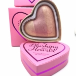 Makeup Revolution Blushing Hearts Triple Baked Blusher 10g. #peachy keen heart สีส้มอมทอง วิ้งๆ บรัชออนรูปหัวใจ 3 เฉดสี แพคเกจน่ารักมากๆ Shimmer เนื้อละเอียดเสริมให้ใบหน้า โดดเด่น เป็นประกาย ใช้ไฮไลท์ บลัชออน หรือ Eye Shadows เพื่อลุคใส ๆ เป็นธรรมชาติ แต่