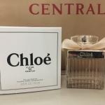 น้ำหอม Chloe Fleur de Parfum for women (เทสเตอร์กล่องขาว) โบว์ขาว กับกลิ่นใหม่จากแบรนด์ Chloe ให้ความหอมของกลิ่นแนว aromatic รุ่นนี้สาวๆหลายคนคงจับจ้อง รอเป็นเจ้าของ เพราะความหอมแบบฟรอรัล ฟรุตตี้ ผสมผสานซิตรัสได้อย่างลงตัวทีเดียวคะ น้ำหอม Chloe Fleur de P