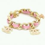CC Pink Bracelet สร้อยข้อมือสายหนังสีชมพู แต่งอักษรตัว CC