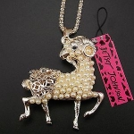 Goat of Luck by Betsey Johnson สร้อยคอยาวแต่งจี้แพะนำโชค ร่ำรวยเงินทอง