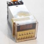 เครื่องตั้งเวลาสลับเปิด-ปิด 24V ( 0.1 วินาที - 99 ชม. ) รุ่น DH48S-S