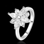 R877 แหวนเพชรCZ ตัวเรือนเคลือบเงิน 925 หัวแหวนรูปดอกไม้แต่งเพชร ขนาดแหวนเบอร์ 7