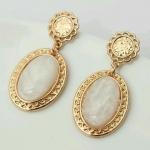Classic Princess Oval Gold Earing ต่างหูสีทองแต่งหินสังเคราะห์สีขาว สไตล์เจ้าหญิง